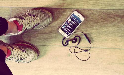 Ne vous ennuyez plus en courant, écoutez un livre audio!